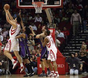 La combinaison, la corrélation et les essais de la NBA: l'individualité compte!